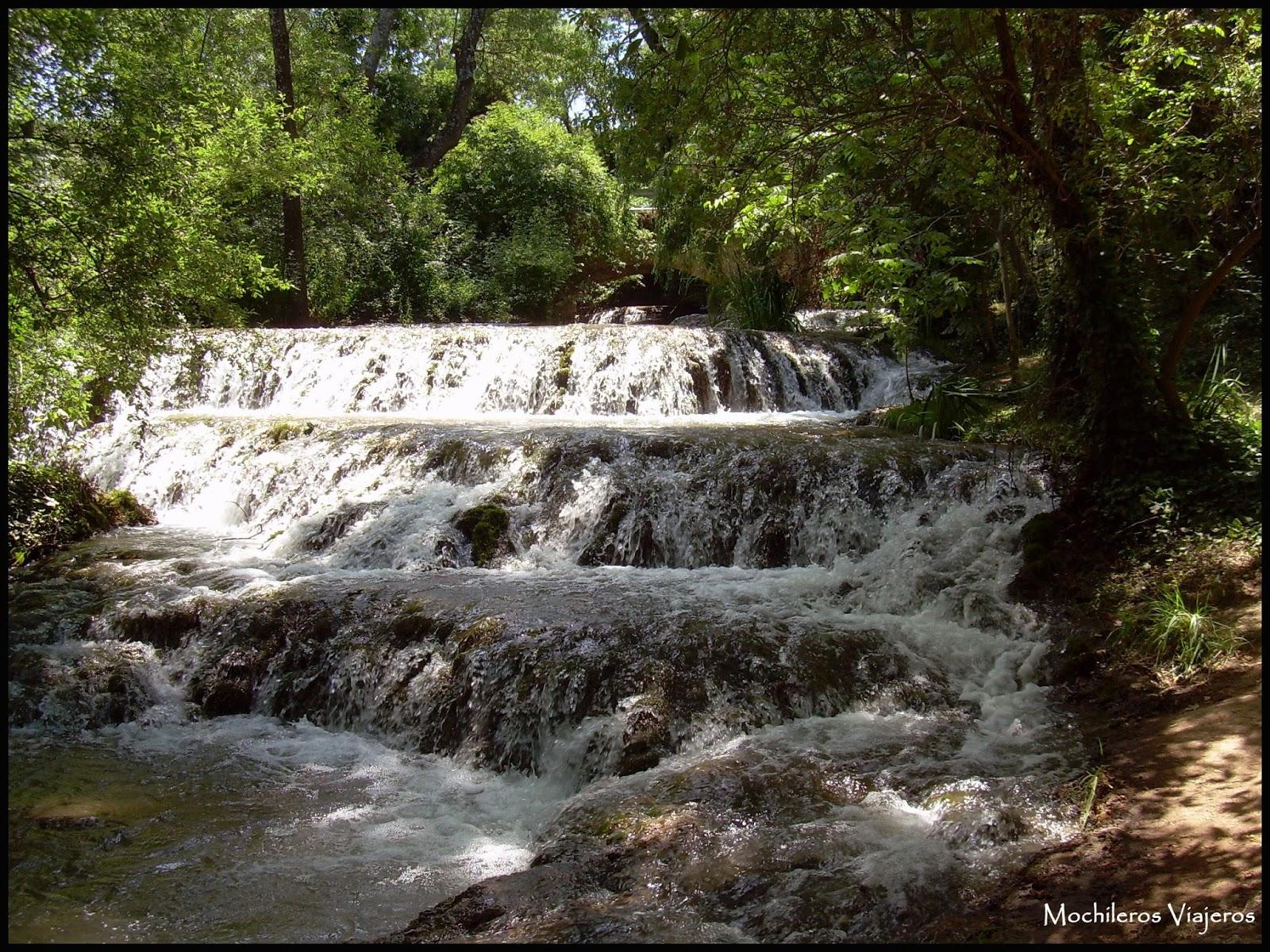 Monasterio de piedra paseo entre cascadas mochileros for Cascadas de piedra