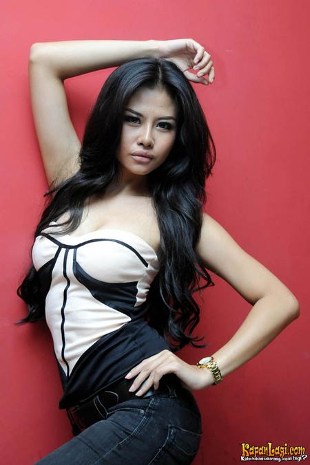 Foto Sexy Ria Winata di Majalah MALE   Sensasi Artis Hot