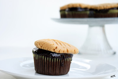 Chocolate Cupcakes with Peanut Butter Cookie Frosting . She used ...