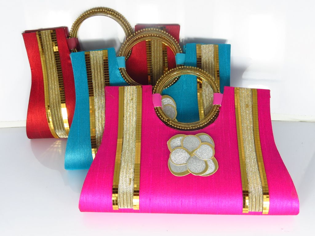 Buy Ladies Handbags American style, Stylish Handbags Online from India.  Select from Huge Range of Women s Handbags at Best   Low Prices. 1da9c4e64c
