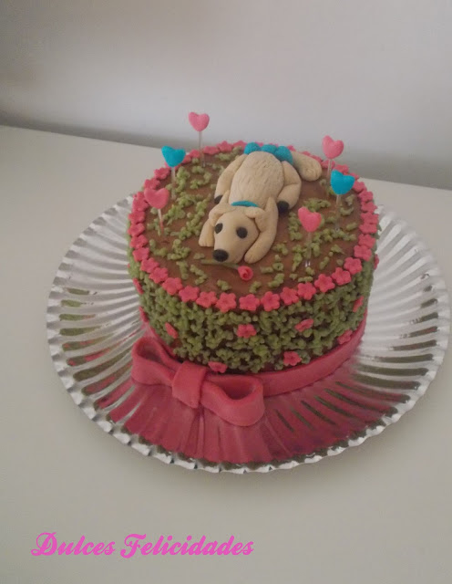 Tarta fondant perro en la hierba: receta de buttercream de chocolate