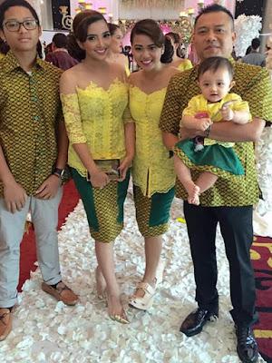 Baju Kebaya Keluarga Kembar Ashanty dan Aurel Hermansyah Kuning