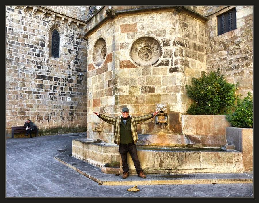 SOLSONA-FONT-MONUMENTS-CATALUNYA-EXCURSIONS-VOL-ALIGA-FOTOS-PINTOR-ERNEST DESCALS-