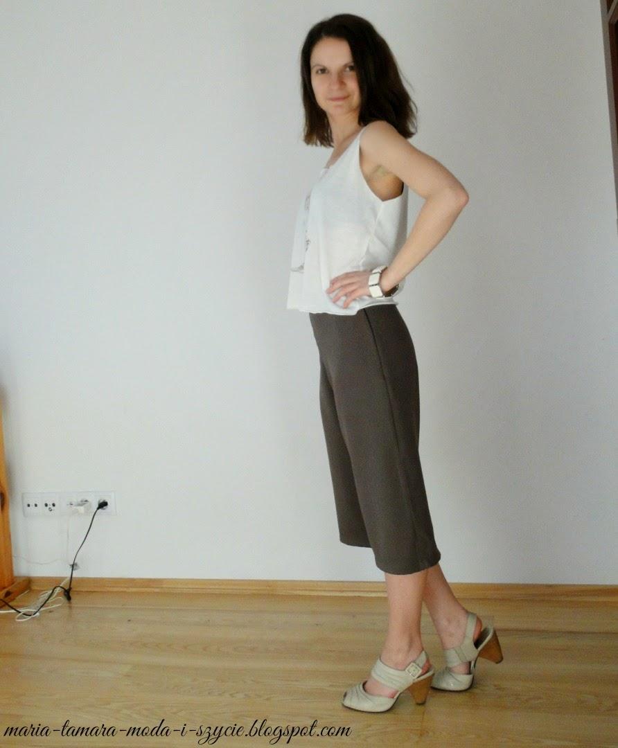 szerokie spodnie za kolano