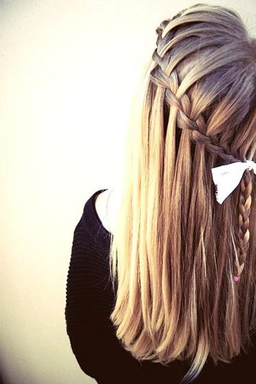 Gaya model rambut panjang wanita yang cantik