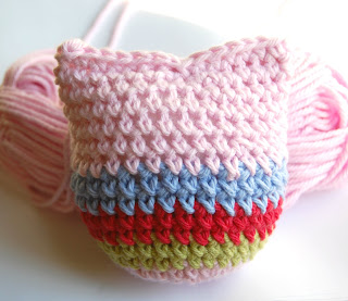 CROCHET HEART PILLOW PATTERN | Crochet For Beginners