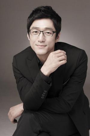 Ji Jin Hee Family