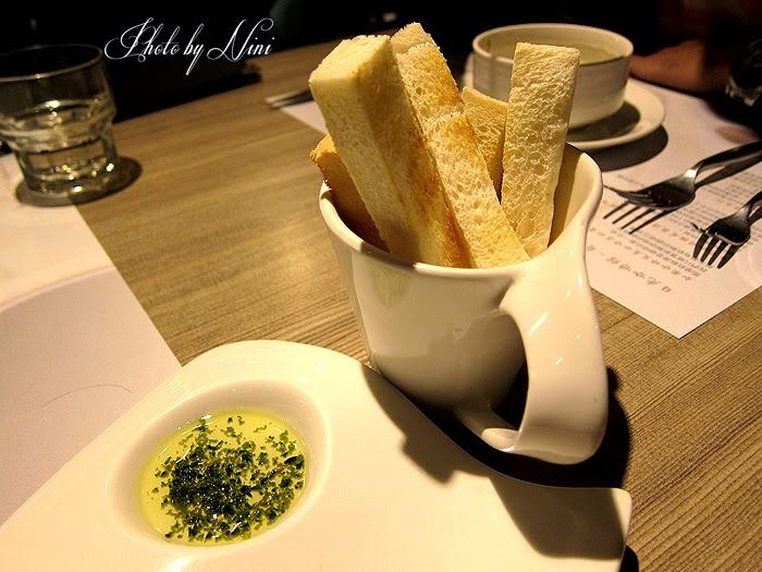 【台北東區】微風日光咖啡館。號稱全台北最好喝的手工咖啡