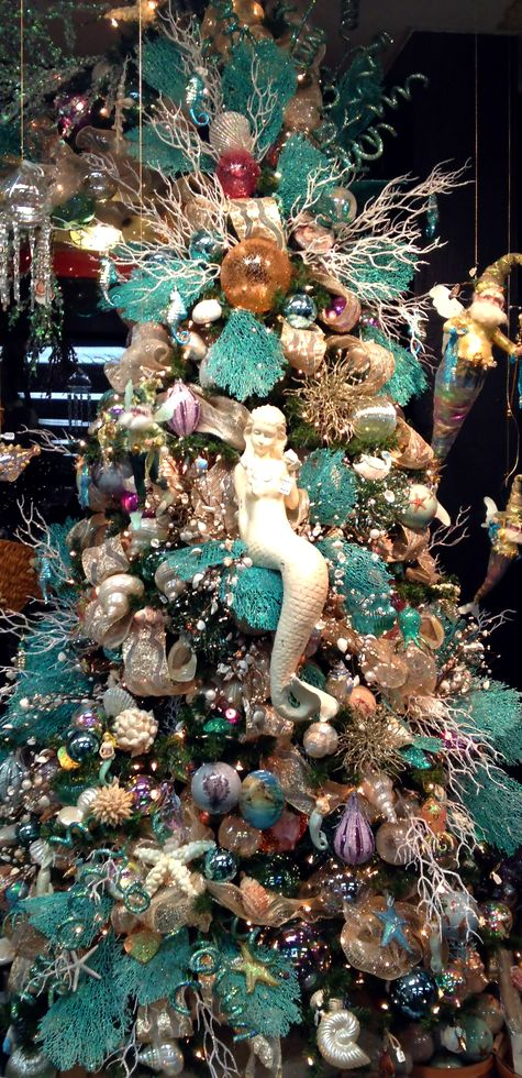 love this beach inspired christmas tree we have a seaside tree in our home and its my favorite remember the sea even in the snow