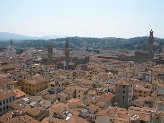 Florencia vista desde lo más alto de la cúpula de Brunelleschi, después de subir 463 escalones.