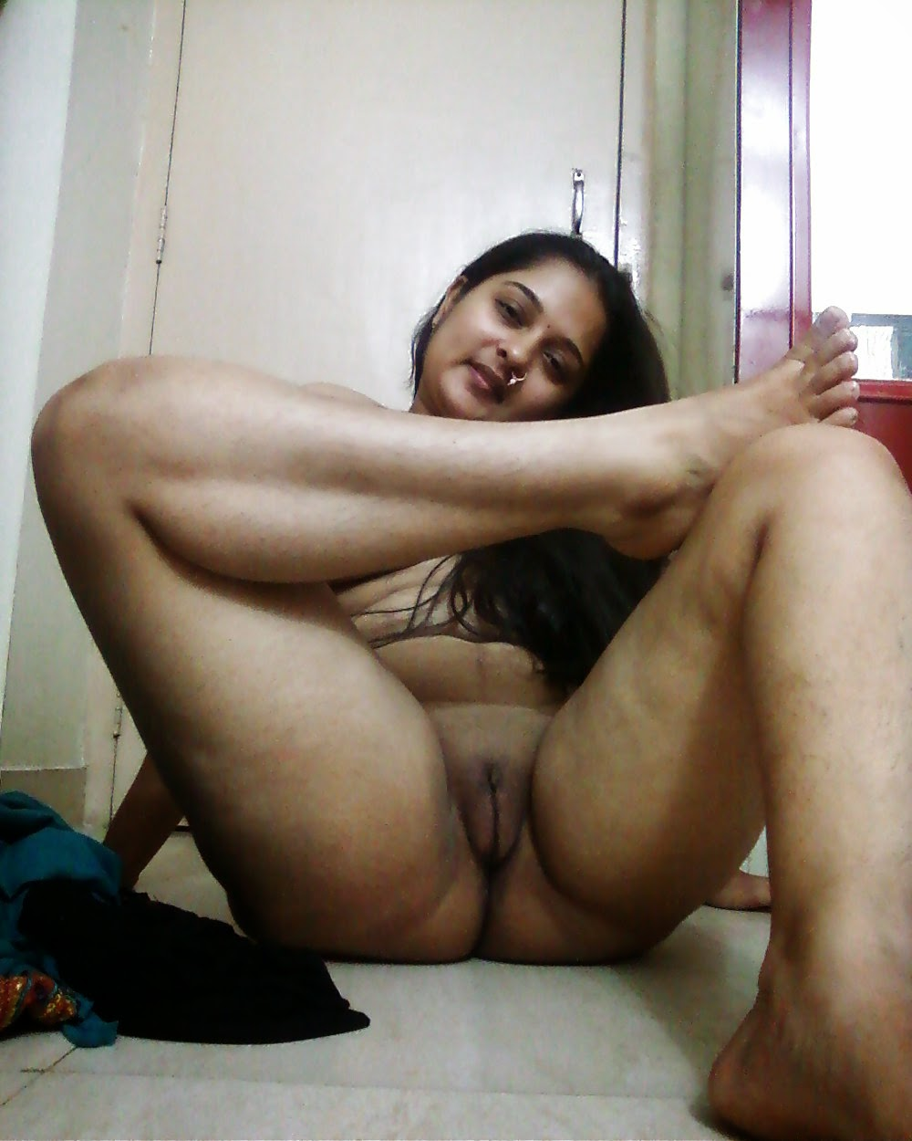 Naked and nude photos of indian girls  sex pic
