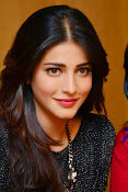 Shruti Haasan Glam pics-thumbnail-29