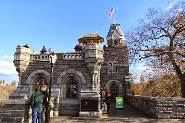 In the deep Central Park lies a beautiful castle called Belvedere which built in 1872 at Manhattan downtown, New York, USA
