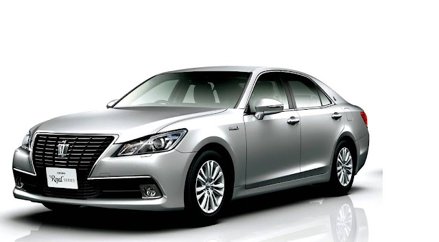 2016 Toyota Crown Review