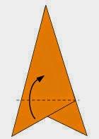 Bước 4: Gấp tờ giấy lên trên.