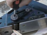Apretar la tapa del piñon. www.enredandonogaraxe.com
