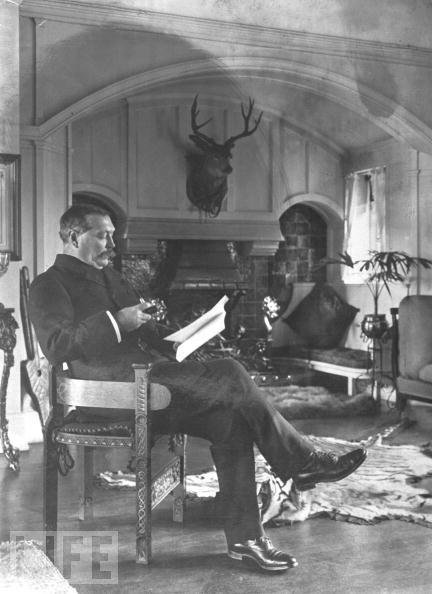 Sir Arthur Conan Doyle Élete és Művei - Page 2 Doyle