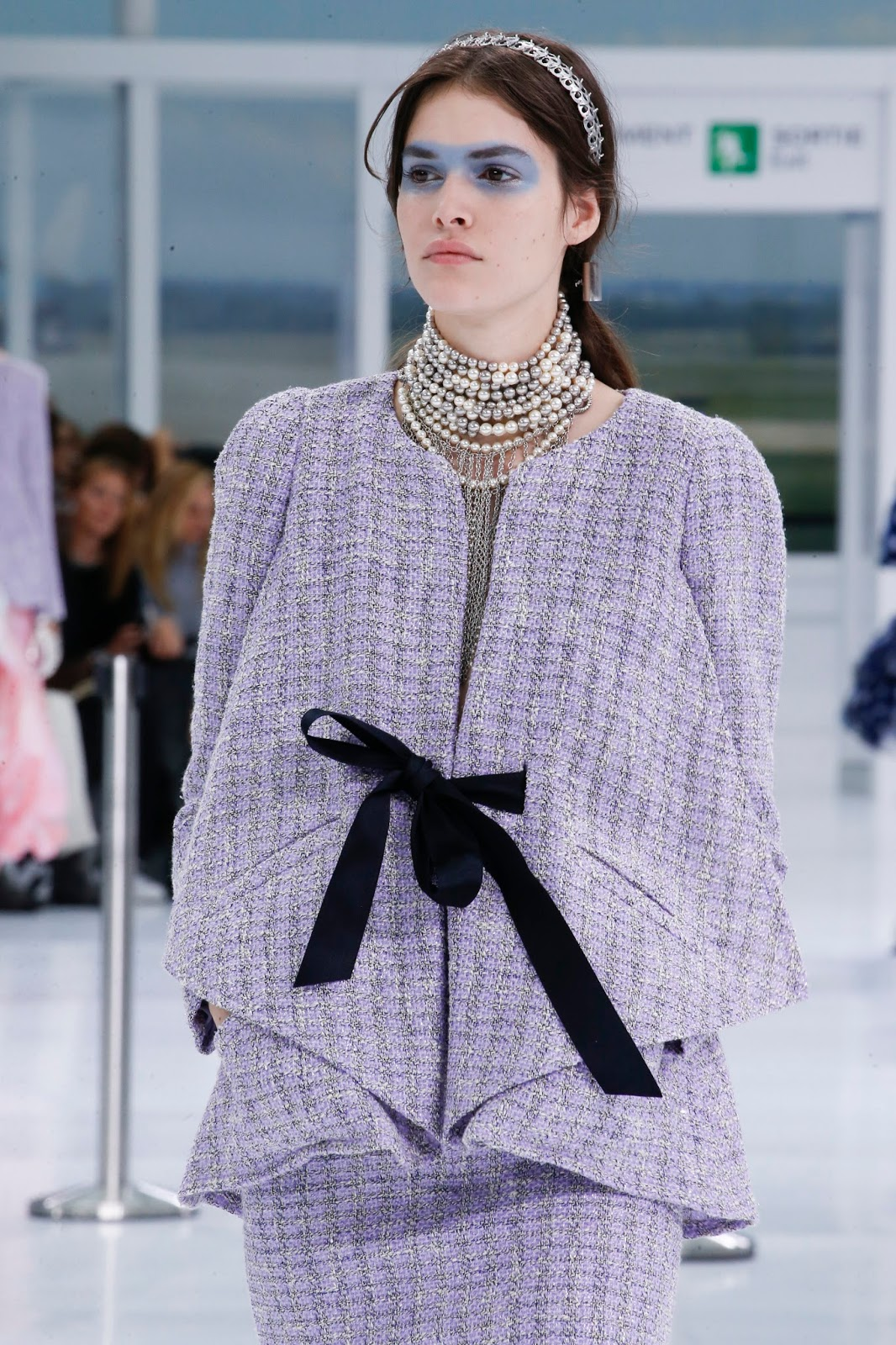 Spring/Summer 2016 trend report / Chanel SS16 / ribbons & bows via www.fashionedbylove.co.uk