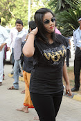 Poorna at memu saitam cricket-thumbnail-5