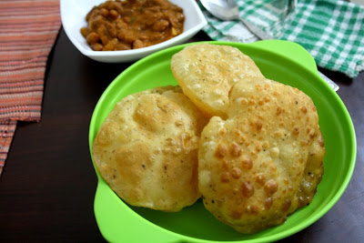 Dahi Poori | Indian Deep Fried Bread made with Curds