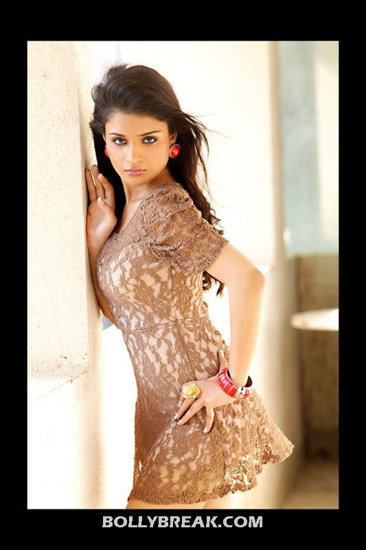 indian Model 2012 - Latest Hot Indian Model Pics