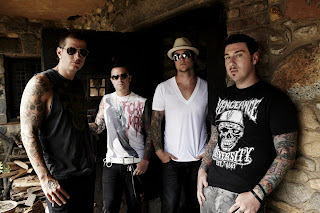 Download Lagu Avenged Sevenfold - Hail To The King