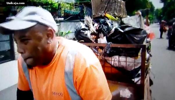 image 3 Video Kisah Nyata Tukang Sampah di Indonesia, Menjadi Perhatian Masyarakat Dunia [Miris & Prihatin]