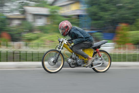 Honda Grand Balap Liar, Ubah Posisi Baut Atas title=