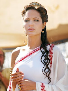 Hollywood actress Angelina-Jolie-in-saree