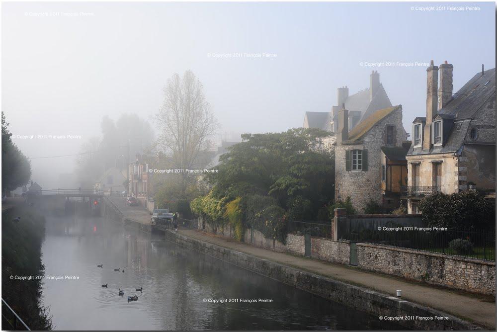 les bords du canal de Briare à Montargis