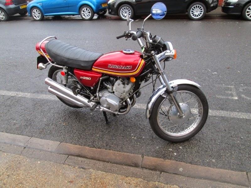 Koleksi Gambar Motor Klasik Kawasaki KH 250 Modifikasi