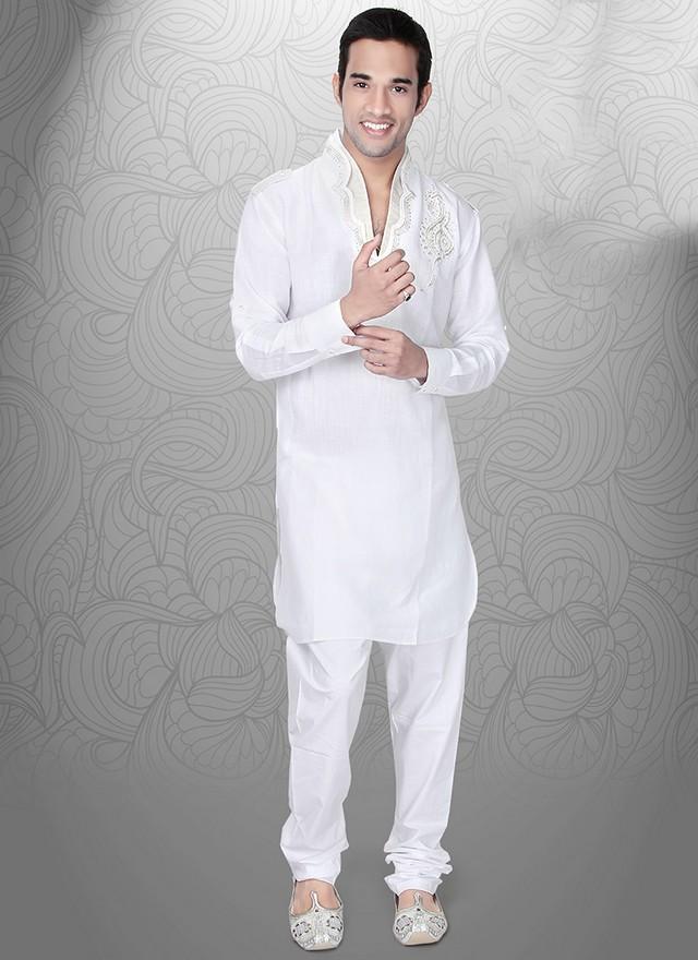Top 10 Most Popular Best Pakistani Fashion Designers  Hit