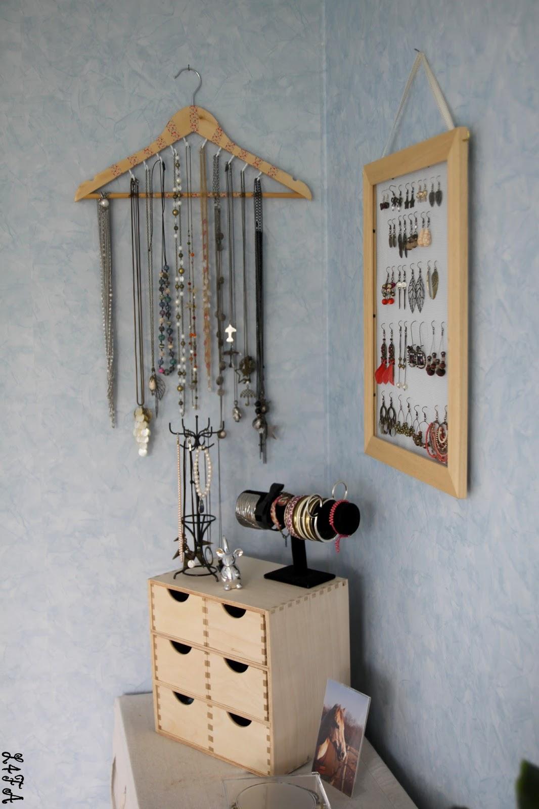 Les quatre fers en l 39 air quelques petites id es de rangements - Idee de collier a faire soi meme ...
