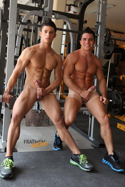 Порно видео геи в спортзале