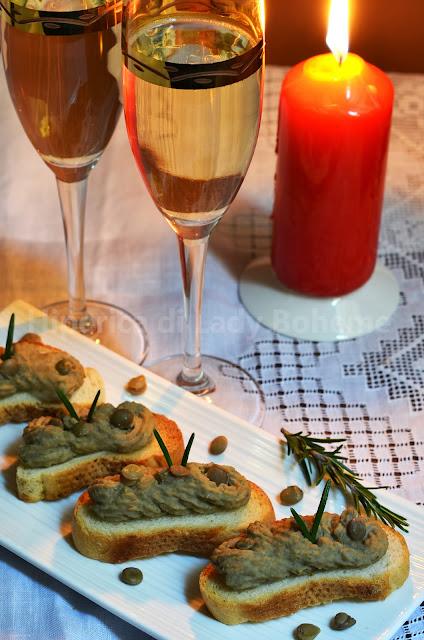 hiperica_lady_boheme_blog_cucina_ricette_gustose_facili_veloci_crostini_con_crema_di_lenticchie_al_rosmarino_2