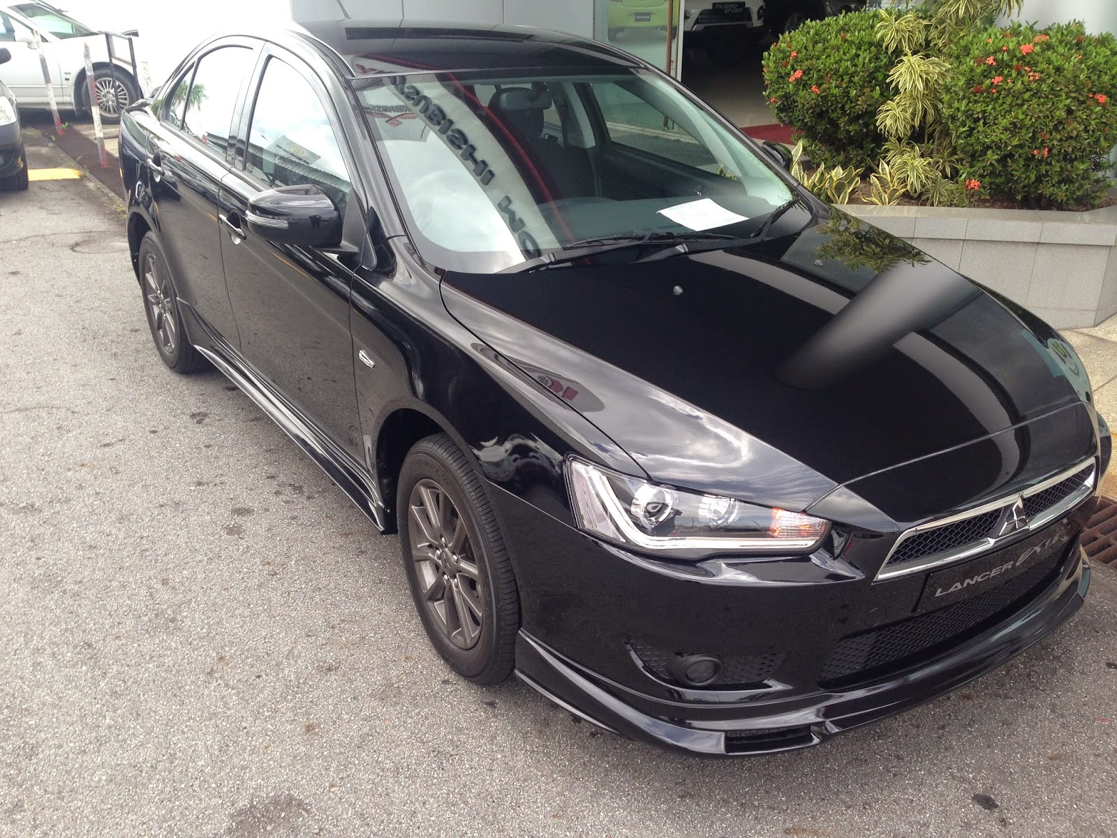 achieving more than 10 000 units since the lancer entered the brunei market ghk motors sdn bhd introduced the sportier looking mitsubishi lancer ex 1 6