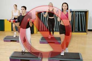Retienes agua que ejercicio realizar para adelgazar los brazos