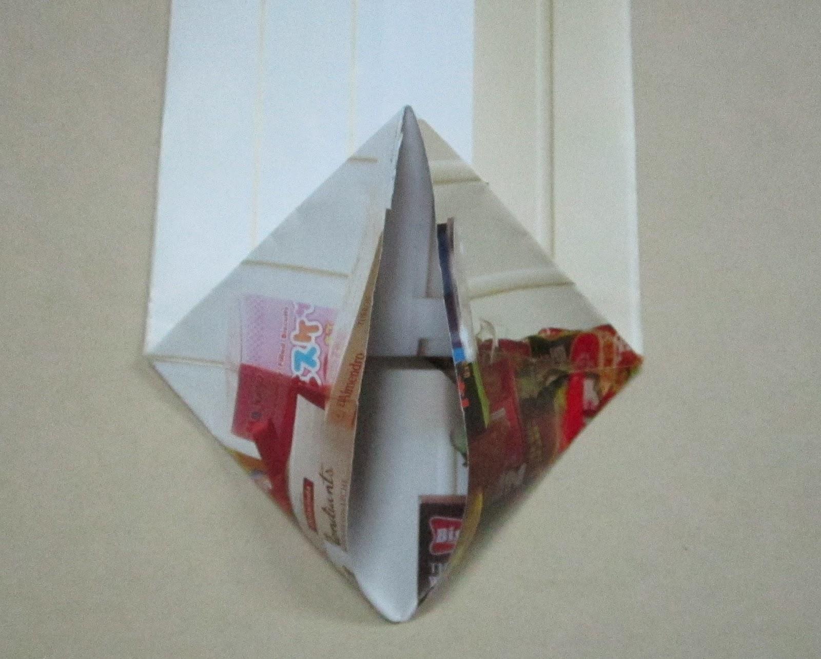 พับถุง,เมคราเม่,ถุงของขวัญ ,How to Reuse Paper as Souvenir Bag.ขยะสวย,ทำจากขยะ,งานฝีมือจากของใช้แล้ว,ไอเดียจากขยะ,ไอเดียจากของใช้แล้ว ,โลกสีเขียว,ไอเดียสีเขียว,ไอเีดียลดขยะ,ไอเดียลดโลกร้อน reuse,recycle,reuse magazine paper,macrame ,how to souvenir bag,how to fold bag,folding paper bag,crafts