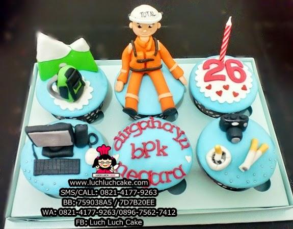 Cupcake Hadiah Ulang Tahun Tema Pekerjaan Daerah Surabaya - Sidoarjo