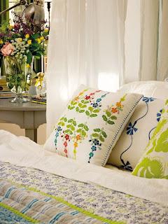 romantic bedroom design with semicircular windows 3 554x738 Desain Kamar Tidur Romantis Dengan Jendela setengah lingkaran