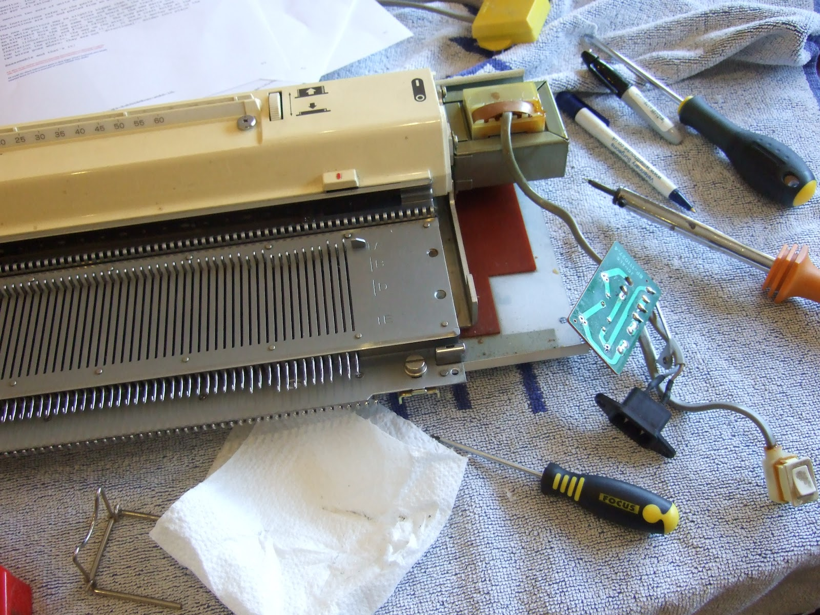 Too many hobbies not enough time fixing a brother 950i fixing a brother 950i electronic knitting machine bankloansurffo Images