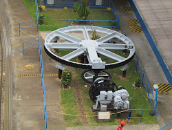 The huge low-geared bullwheel that used to open the lock gates, Panama Canal