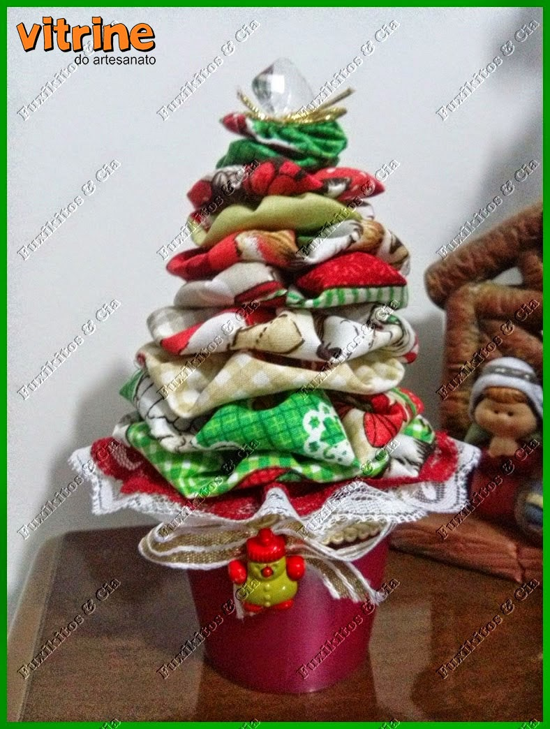 Árvore de Fuxico feito com tecidos da Círculo #NatalnaVitrine