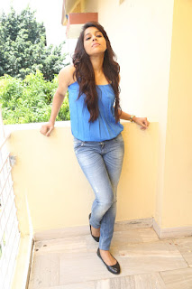 Actress Rashmi Gautam Pictures in Jeans at tur Talkies Movie Press Meet   (39)