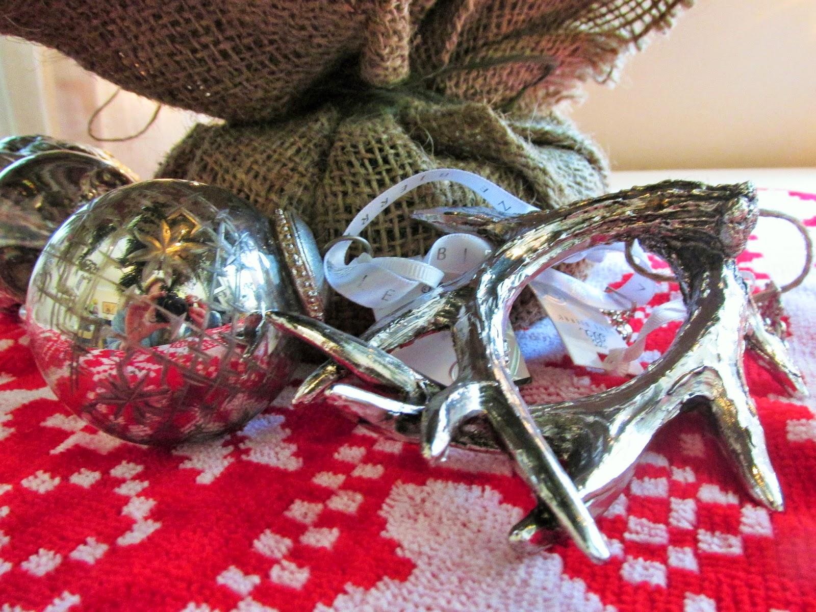 antler-christmas-decoration
