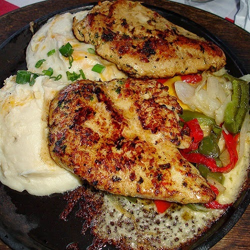 http://secretcopycatrestaurantrecipes.com/t-g-i-fridays-sizzling-chicken-and-cheese-secret-recipe/