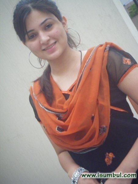 Desi indian pakistani girls something is