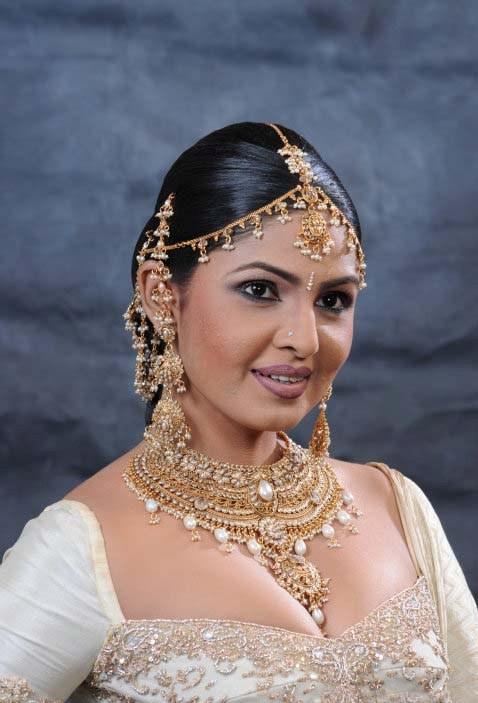 Stills of top Sri Lankan actress Dulani Anuradha ~ Top ...