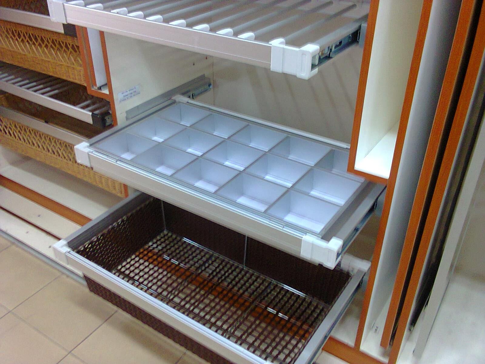 Kabinet dapur and table top design kitchen cabinet design for Design kuchenaccessoires