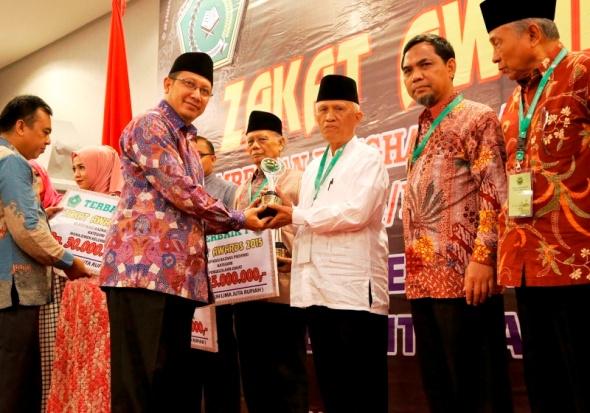 Aceh dan Banten Dapat Anugerah Zakat Awards 2015
